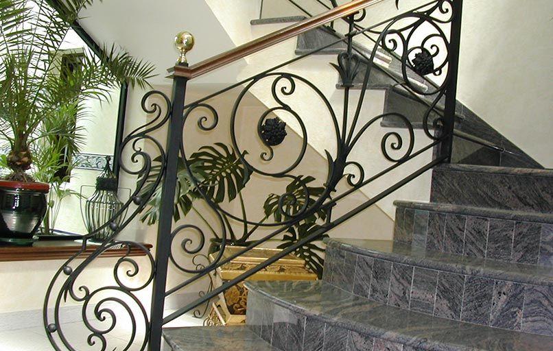 Barandas de escaleras en hierro forjado vicente gragera - Escaleras de hierro forjado ...